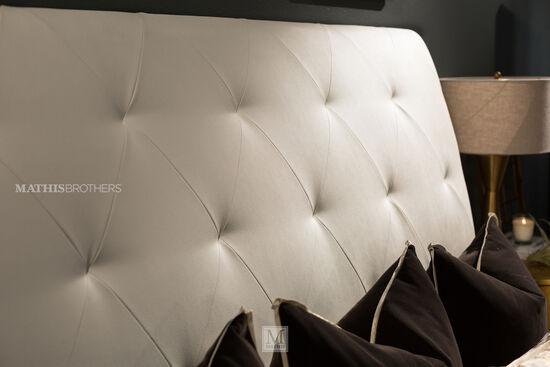 "97"" Metropolitan Tufted Wing Bed in Cream"