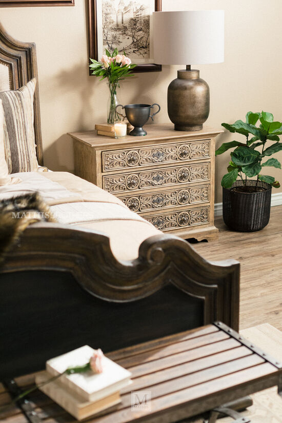 """Refined Romantic Luxury 66"""" Bed Bench in Brown"""