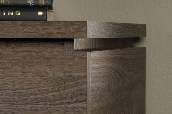 33'' Three-Drawer Traditional Accent Storage Chest in Fossil Oak
