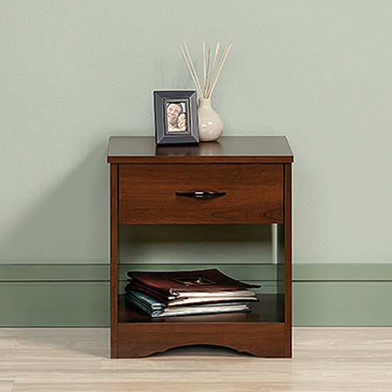 "19"" Traditional Nightstand in Cherry"