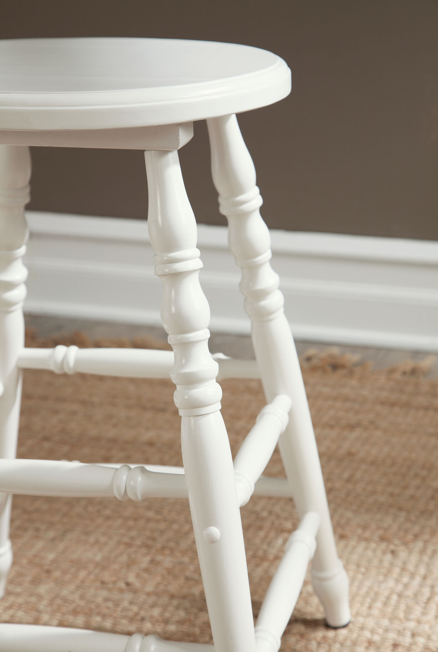 Solid Wood 24 Quot Pair Of Counter Height Stools In White