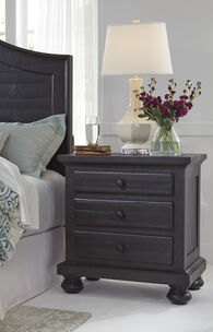 "30"" Casual Three-Drawer Nightstand in Charcoal"