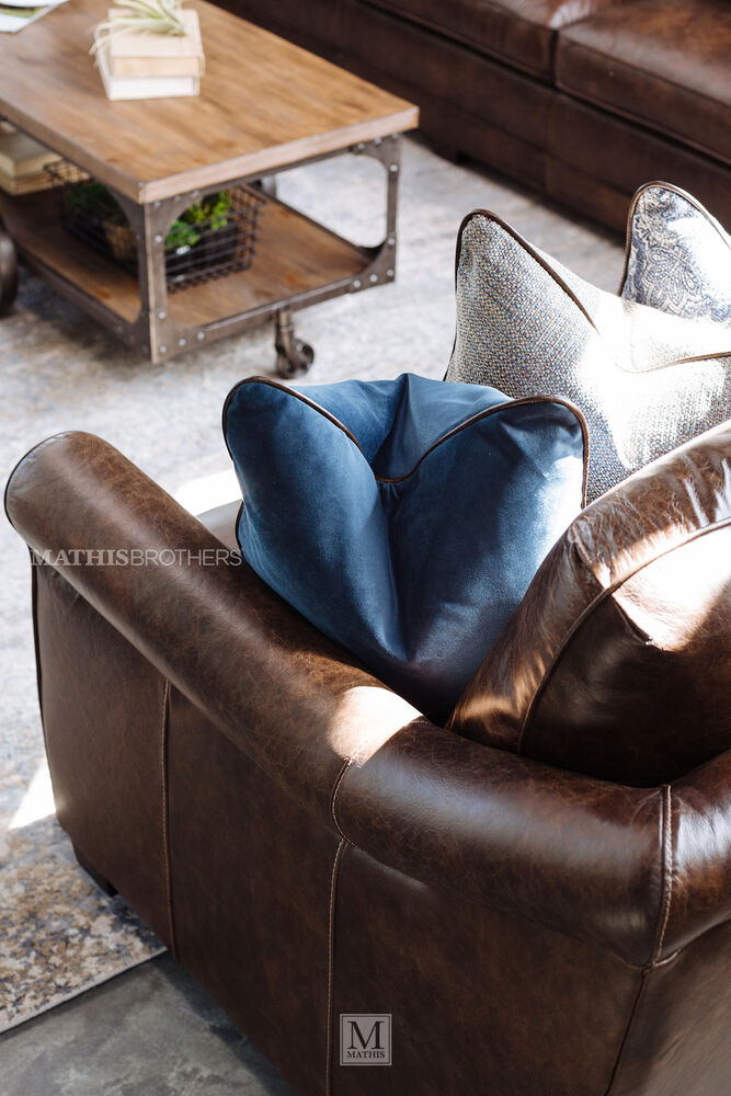 Casual Leather Loveseat In Dark Brown Mathis Brothers Furniture