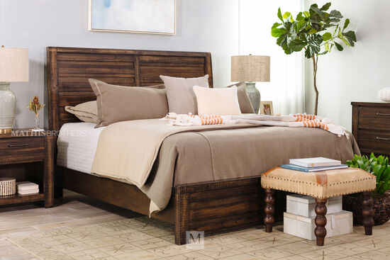 Traditional Sleigh Bed in Brown Tobacco