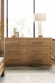 """40"""" Traditional Six-Drawer Dresser in Brown"""