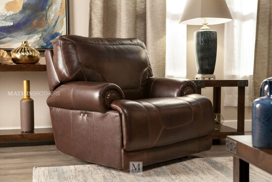"""Traditional Leather 43"""" Recliner in Brown"""