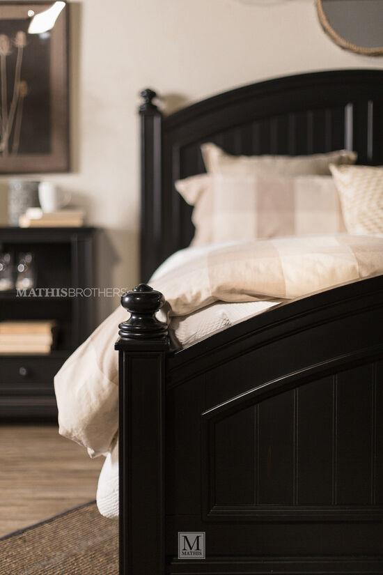 Four-Piece Causal Bedroom Set in Ebony