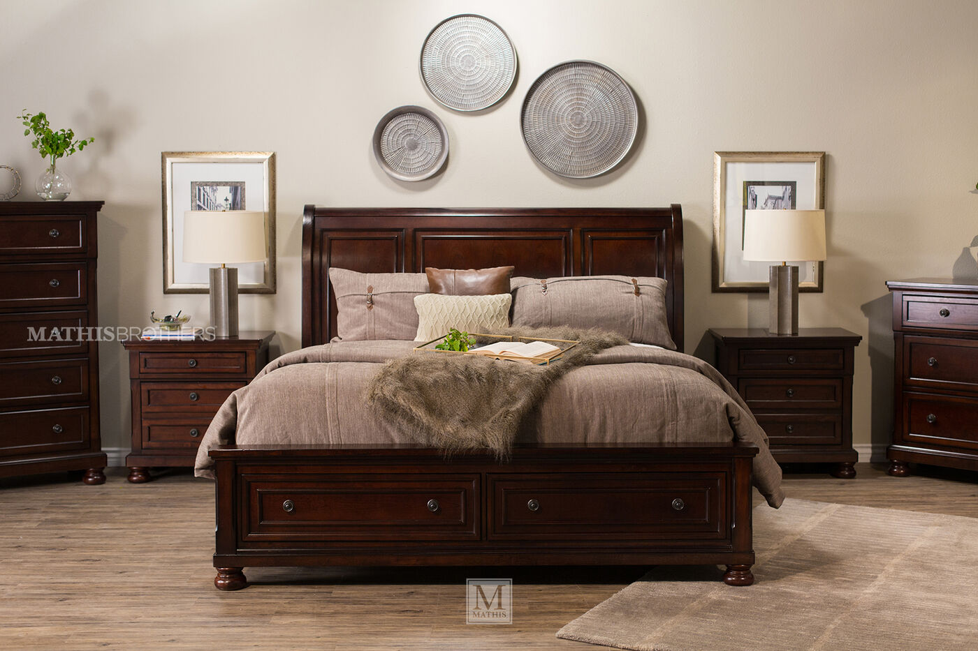 Four Piece Traditional Storage Bedroom Set In Dark Brown