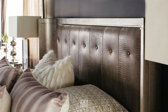 Casual Button Tufted Shelter Bed in Gray