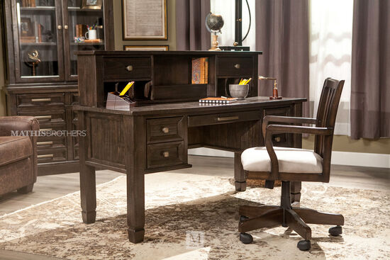 "60"" Traditional Tapered-Leg Desk in Brown"