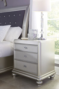 "29.5"" Traditional Three-Drawer Nightstand in Silver"