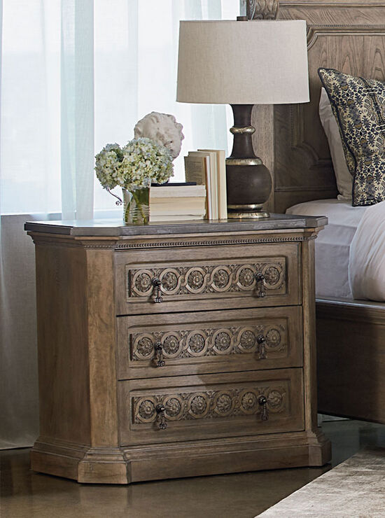 """33"""" Three-Drawer Casual Bedside Chestin Natural Oak"""