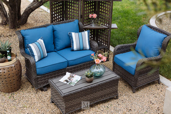 Aluminum Woven Woven Lounge Chair in Blue