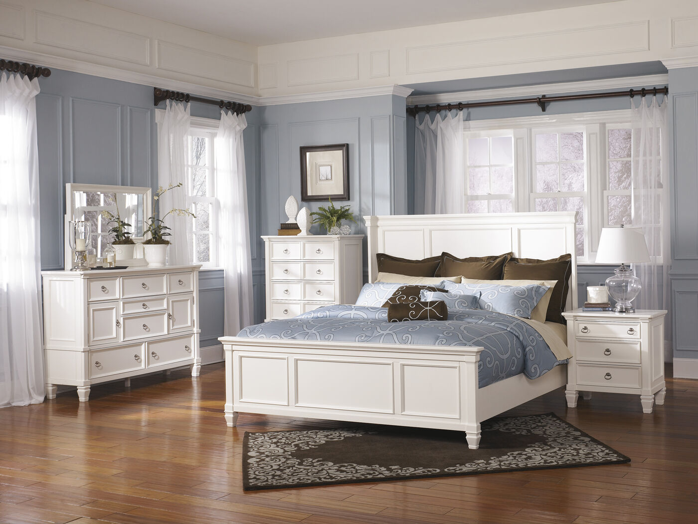 62 Quot Contemporary Panel Bed In White Mathis Brothers