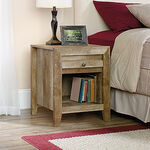 "24.5"" Traditional Nightstand in Craftsman Oak"
