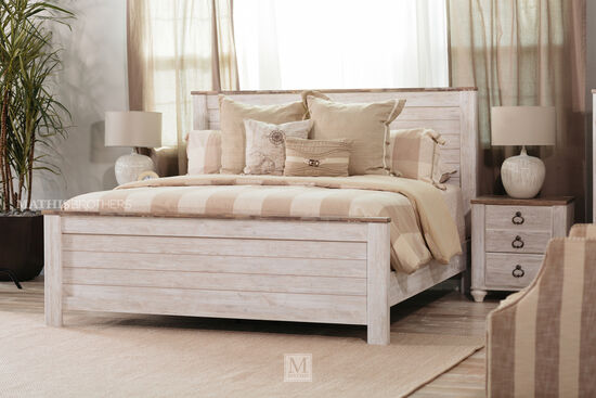 "54"" Casual Timeworn Planked Panel Bed in Whitewash"