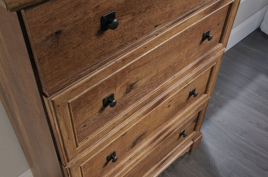 "49"" Casual Four-Drawer Chest in Vintage Oak"