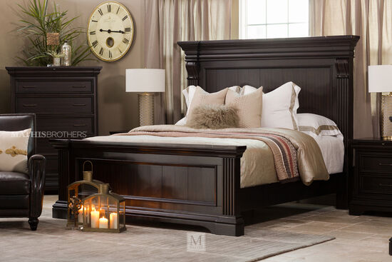 "70"" Traditional Distressed Panel Bed in Black"