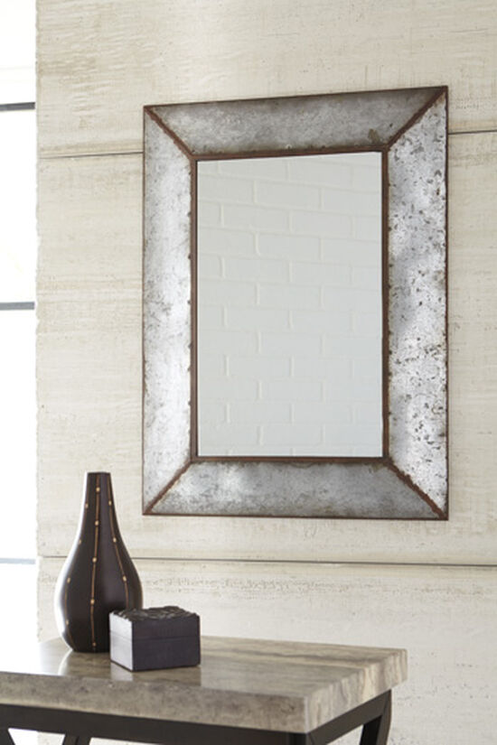 "36"" Casual Weathered Accent Mirror in Antique Gray"