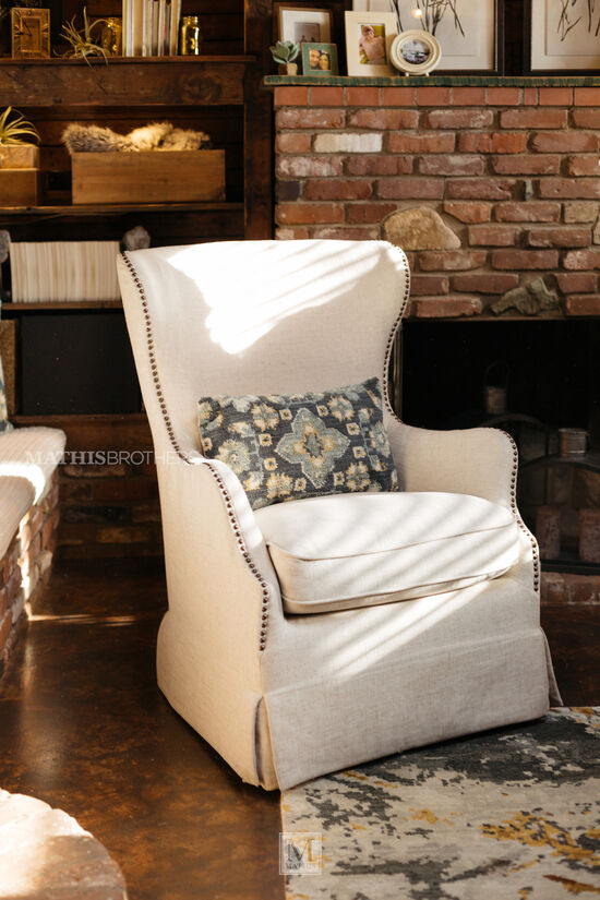 "Self-Centering Traditional 31"" Swivel Chair in Muslin"