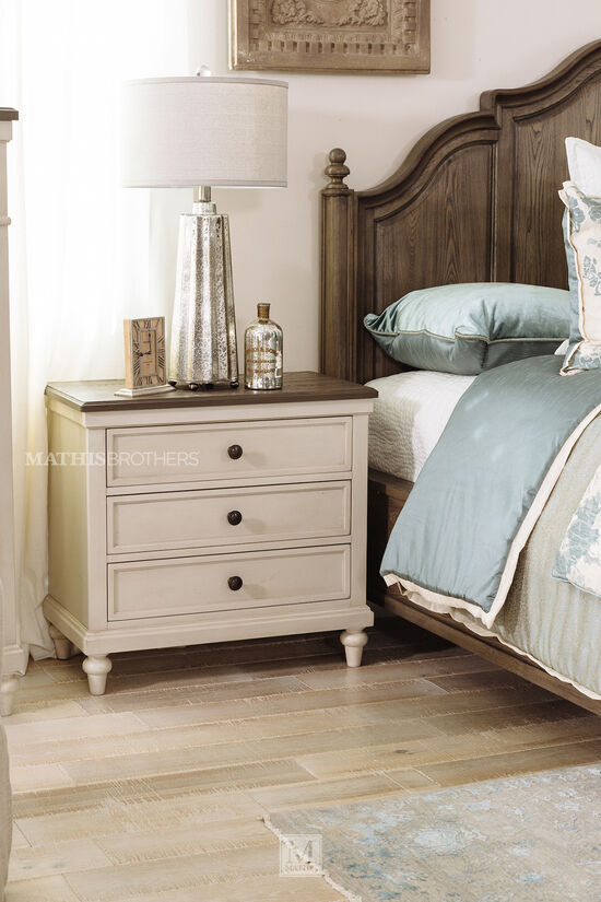 """30"""" Casual Three-Drawer Nightstand in Vintage Linen"""