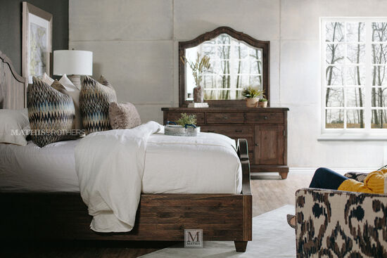 Magnussen Home Brenley Queen Bedroom Suite