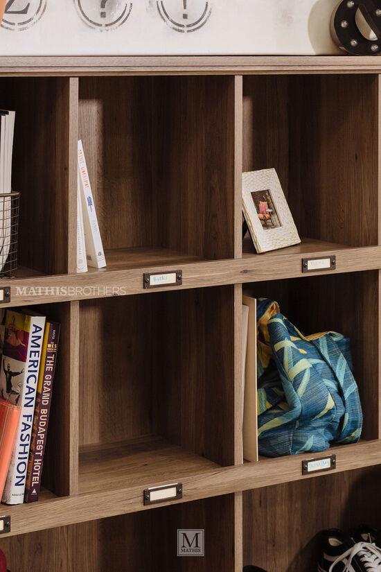 Three-Shelf Casual Bookcase in Oak