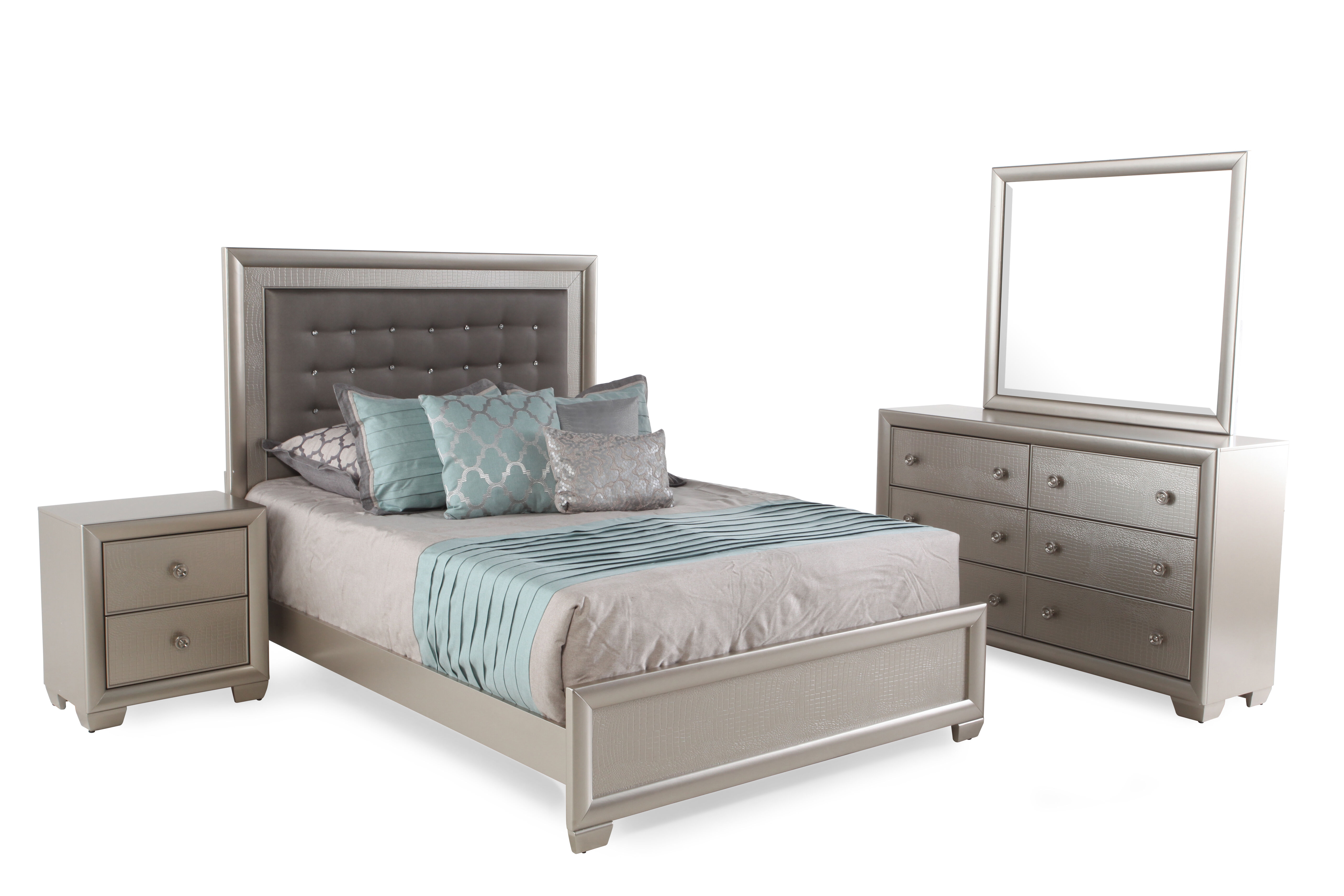 Four Piece Transitional Crocodile Textured Bedroom Set In Silver