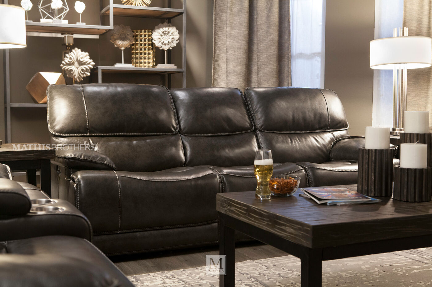 Leather 90 Power Reclining Sofa In Black Mathis Brothers Furniture