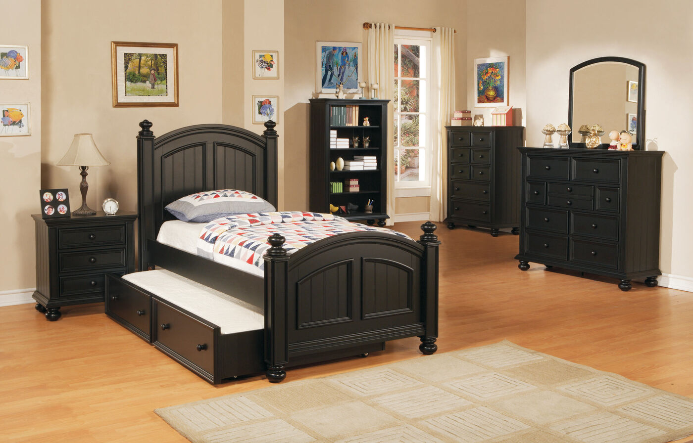 Traditional Planked Arch Youth Panel Bed With Trundle In