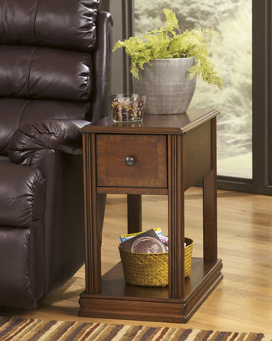 Fluted Contemporary End Table in Dark Brown