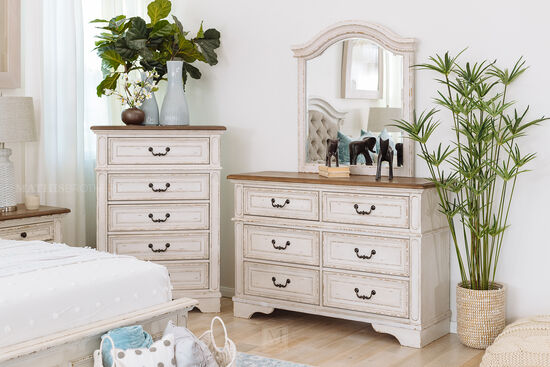 Two-Piece Traditional Youth Dresser and Mirror in Chippy White