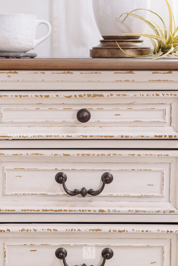 "28"" Traditional Three-Drawer Nightstand in Chipped White"