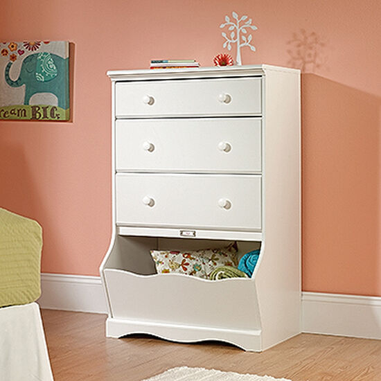 Traditional Three-Drawer Chest in White