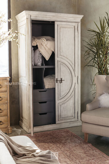 "88"" Distressed Traditional Wardrobe in White"