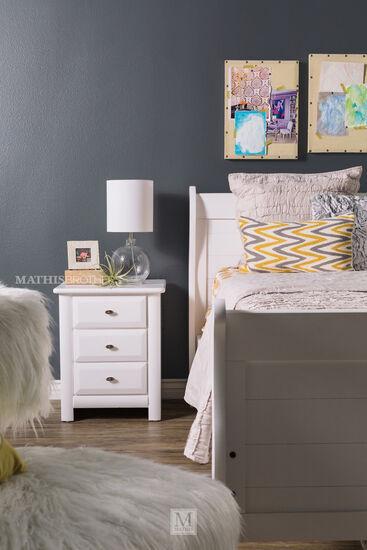 Trendwood Laguna White Full Sleigh Bed
