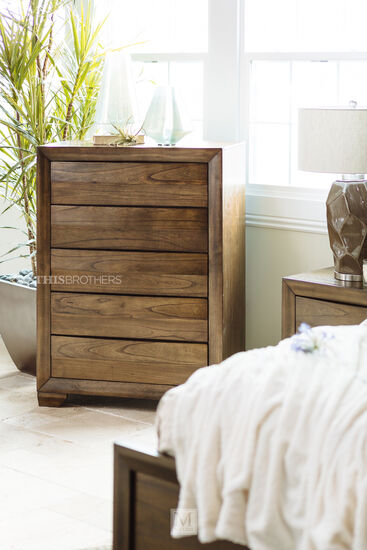 Chests – Bedroom Storage Chests | Mathis Brothers