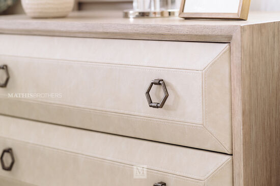 30'' Three-Drawer Traditional Nightstand in Sandstone