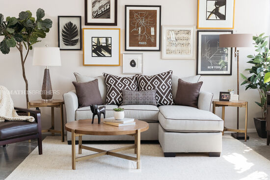 Transitional 86 Sofa With Chaise In Linen