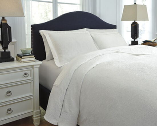Three-Piece Matelassé Queen Coverlet Set in White