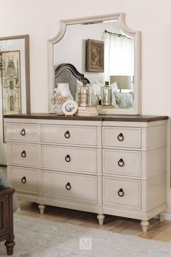 Nine-Drawer Casual Dresser in Vintage Linen