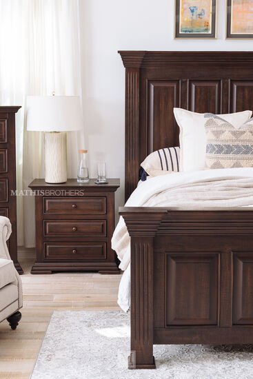 Four-Piece Traditional Bed Suite in Brown