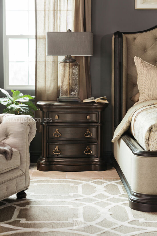 "32"" Refined Romantic Luxury Three-Drawer Nightstand in Dark Brown"