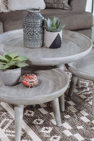 Casual Nesting Cocktail Tables in Weathered Gray