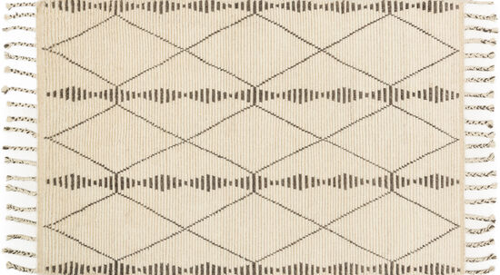 Magnolia Home Hand-Knotted 5'6''x8'6'' Rug in Ivory/Pebble