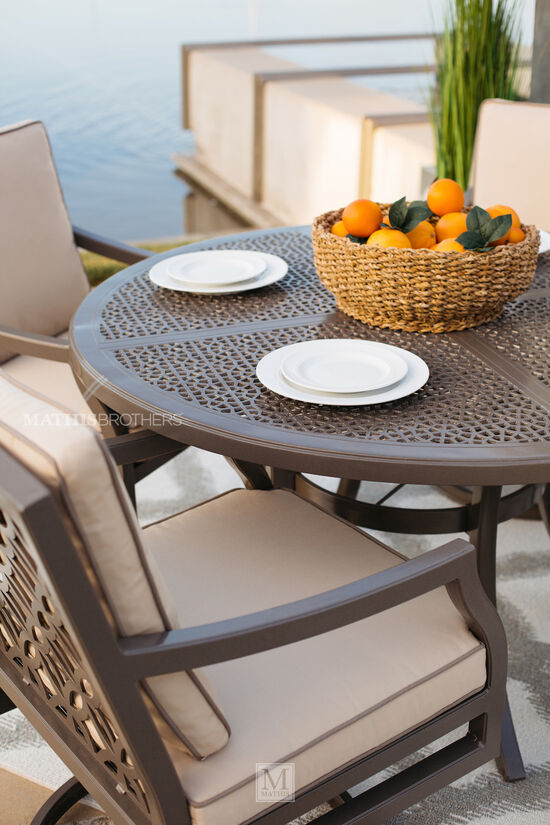 Lattice-Back Cushioned Patio Dining Chair in Brown