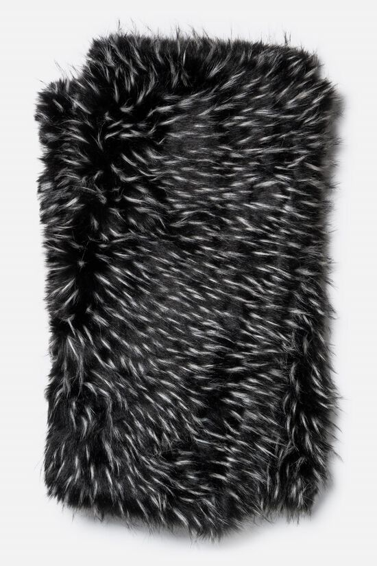 "Contemporary 4'-2""x5' Throw in Black/White"