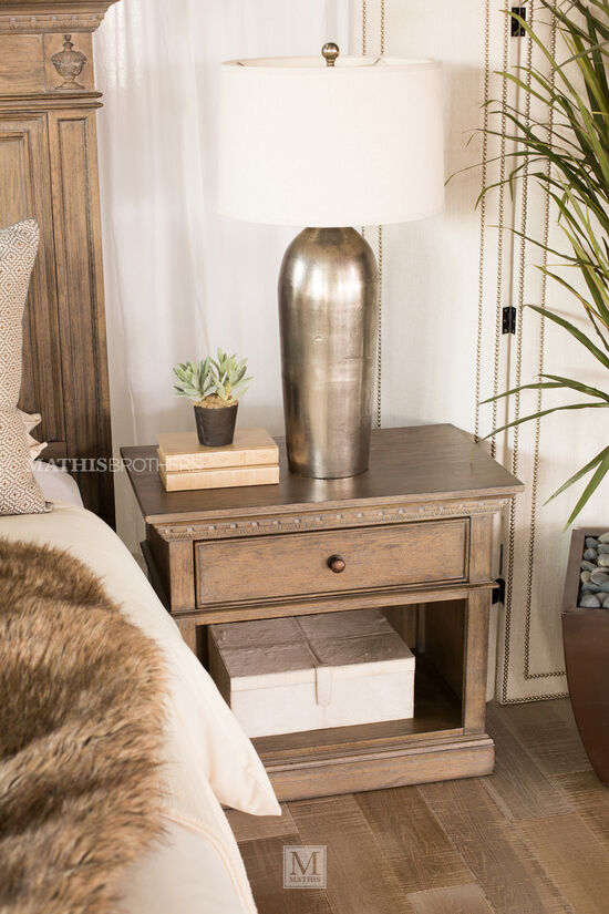 "28"" Traditional Distressed One-Drawer Nightstand in Aged Oak"