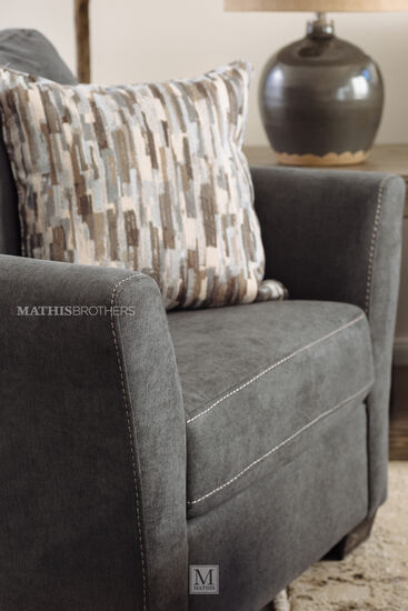 "45"" Traditional Chair in Gray"