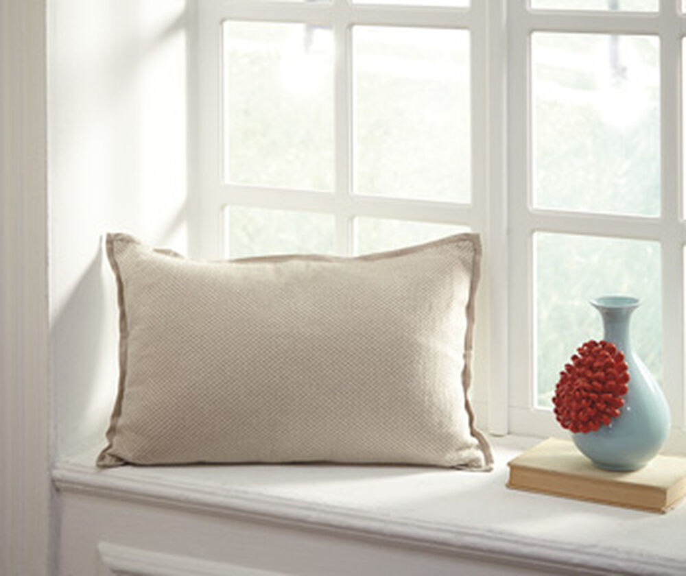 Twill Textured 22 Rectangular Pillow In Cream Mathis Brothers Furniture